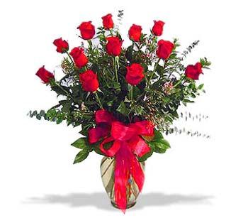 çiçek siparisi 11 adet kirmizi gül cam vazo  Gaziantep İnternetten çiçek siparişi