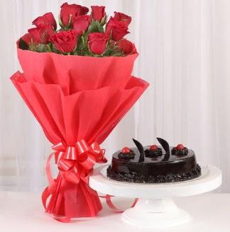 10 Adet kırmızı gül ve 4 kişilik yaş pasta  Gaziantep güvenli kaliteli hızlı çiçek