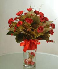 yapay güllerden vazo  9 gül  Gaziantep çiçek gönderme