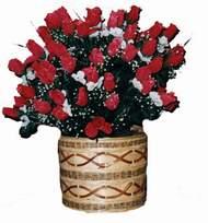 yapay kirmizi güller sepeti   Gaziantep çiçek siparişi sitesi