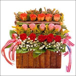sandikta 3 kat güllerden   Gaziantep çiçek yolla