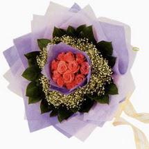 12 adet gül ve elyaflardan   Gaziantep çiçek mağazası , çiçekçi adresleri