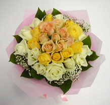 sari ve beyaz gül karisimda   Gaziantep hediye sevgilime hediye çiçek