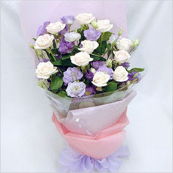 Gaziantep güvenli kaliteli hızlı çiçek  BEYAZ GÜLLER VE KIR ÇIÇEKLERIS BUKETI