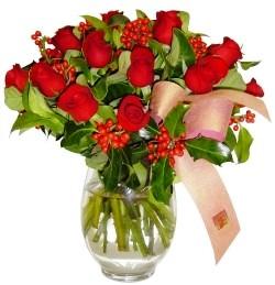 Gaziantep çiçek mağazası , çiçekçi adresleri  11 adet kirmizi gül  cam aranjman halinde