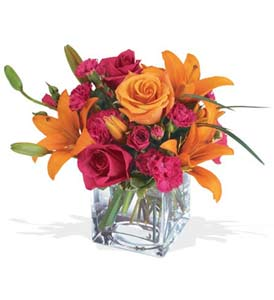 Gaziantep çiçekçi mağazası  cam içerisinde kir çiçekleri demeti
