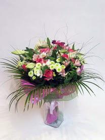 Gaziantep çiçek servisi , çiçekçi adresleri  karisik mevsim buketi mevsime göre hazirlanir.
