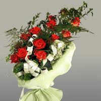 Gaziantep çiçek online çiçek siparişi  11 adet kirmizi gül buketi sade haldedir