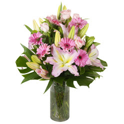 vazo içerisinde karisik mevsim çiçekleri  Gaziantep online çiçekçi , çiçek siparişi