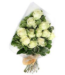 Gaziantep internetten çiçek siparişi  12 li beyaz gül buketi.