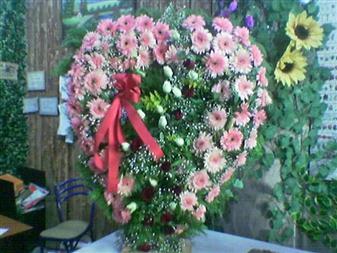 Gaziantep uluslararası çiçek gönderme  SEVDIKLERINIZE ÖZEL KALP PANO