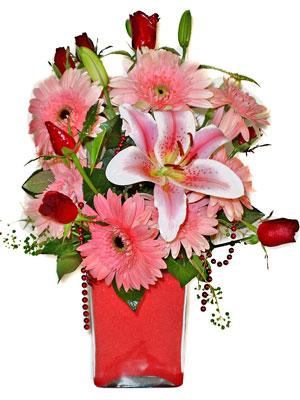 Gaziantep çiçek gönderme sitemiz güvenlidir  karisik cam yada mika vazoda mevsim çiçekleri mevsim demeti