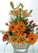 Gaziantep hediye çiçek yolla  cam yada mika vazo içinde karisik mevsim çiçekleri