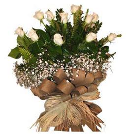 Gaziantep 14 şubat sevgililer günü çiçek  9 adet beyaz gül buketi