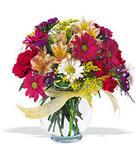 Gaziantep hediye sevgilime hediye çiçek  cam yada mika vazo içerisinde karisik kir çiçekleri