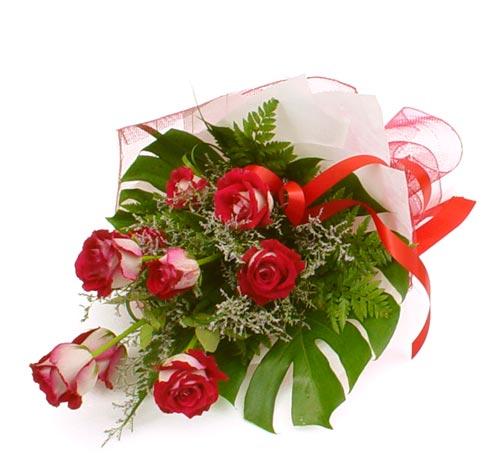 çiçek gönder 7 adet kirmizi gül buketi  Gaziantep çiçek siparişi sitesi