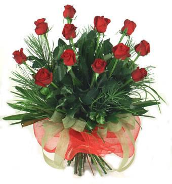 Çiçek yolla 12 adet kirmizi gül buketi  Gaziantep internetten çiçek satışı