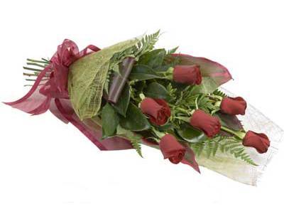 ucuz çiçek siparisi 6 adet kirmizi gül buket  Gaziantep kaliteli taze ve ucuz çiçekler