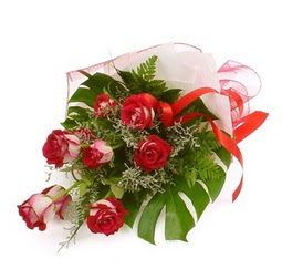 Çiçek gönder 9 adet kirmizi gül buketi  Gaziantep çiçek yolla , çiçek gönder , çiçekçi