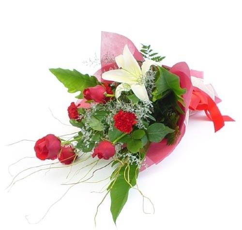 Mevsim çiçeklerinden karisik buket  Gaziantep çiçek gönderme sitemiz güvenlidir