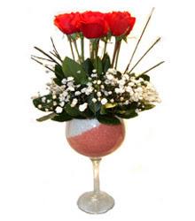 Gaziantep yurtiçi ve yurtdışı çiçek siparişi  cam kadeh içinde 7 adet kirmizi gül çiçek