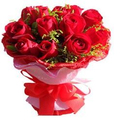 9 adet kirmizi güllerden kipkirmizi buket  Gaziantep yurtiçi ve yurtdışı çiçek siparişi