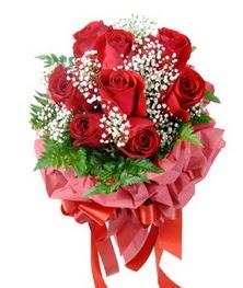 9 adet en kaliteli gülden kirmizi buket  Gaziantep hediye çiçek yolla