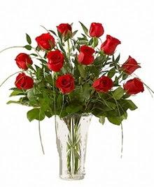 cam yada mika vazo içerisinde 9 kirmizi gül  Gaziantep kaliteli taze ve ucuz çiçekler