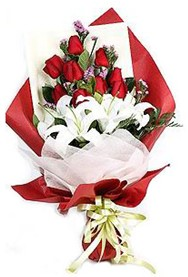 Gaziantep çiçek servisi , çiçekçi adresleri  9 adet gül 2 adet kazablanka buketi