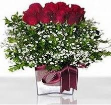 Gaziantep güvenli kaliteli hızlı çiçek  mika yada cam vazo içerisinde 7 adet gül