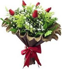 Gaziantep İnternetten çiçek siparişi  5 adet kirmizi gül buketi demeti