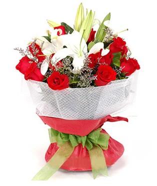 Gaziantep çiçek servisi , çiçekçi adresleri  1 dal kazablanka 11 adet kırmızı gül buketi