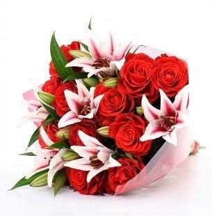 Gaziantep çiçek yolla , çiçek gönder , çiçekçi   3 dal kazablanka ve 11 adet kırmızı gül