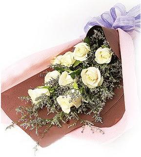 Gaziantep çiçek gönderme sitemiz güvenlidir  9 adet beyaz gülden görsel buket çiçeği