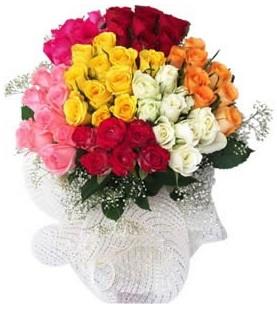 Gaziantep 14 şubat sevgililer günü çiçek  51 adet farklı renklerde gül buketi