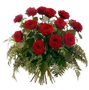 Gaziantep güvenli kaliteli hızlı çiçek  15 adet kırmızı gülden buket