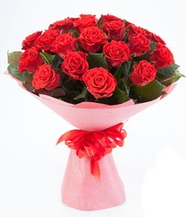 15 adet kırmızı gülden buket tanzimi  Gaziantep kaliteli taze ve ucuz çiçekler