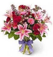 Vazo içerisinde karışık mevsim çiçeği  Gaziantep kaliteli taze ve ucuz çiçekler