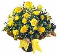 Gaziantep hediye sevgilime hediye çiçek  Sari gül karanfil ve kir çiçekleri