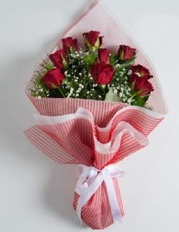9 adet kırmızı gülden buket  Gaziantep anneler günü çiçek yolla