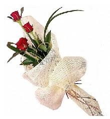 3 adet kırmızı gül buketi  Gaziantep internetten çiçek satışı