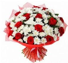 11 adet kırmızı gül ve 1 demet krizantem  Gaziantep çiçekçi mağazası