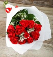 9 kırmızı gülden buket çiçeği  Gaziantep uluslararası çiçek gönderme