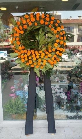 Cenaze çiçeği cenaze çelengi çiçek modeli  Gaziantep uluslararası çiçek gönderme