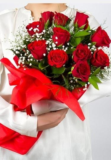 Aşk Gülleri 11 Adet kırmızı gül buketi  Gaziantep 14 şubat sevgililer günü çiçek