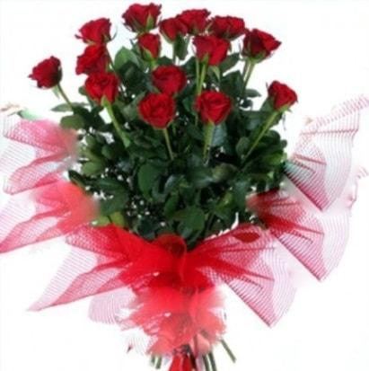 15 adet kırmızı gül buketi  Gaziantep çiçek gönderme sitemiz güvenlidir