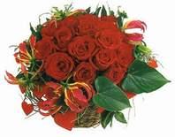 Gaziantep çiçek satışı  12 adet gülden sepet tanzim
